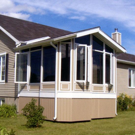 Solarium 4 saisons toit cathédrale - veranda - Solarium Alutek fabricant de solarium - Drummondville, Granby, Montréal et Rive-Sud, Québec